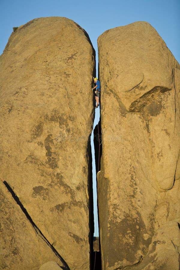 split för klättringpelarrock royaltyfri fotografi