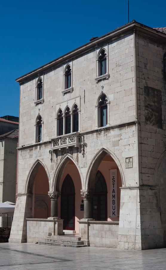 split för stadscroatia korridor royaltyfri bild