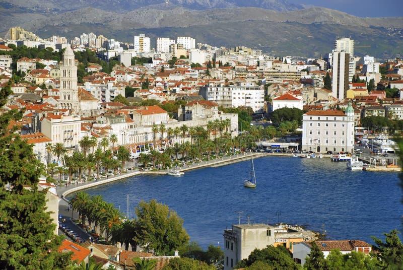 split för stadscroatia port royaltyfria foton