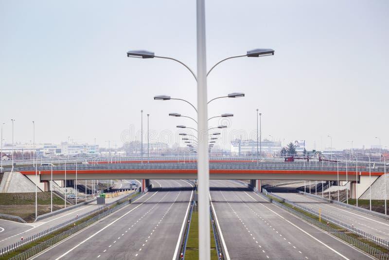 Splitterny bred motorway arkivfoto