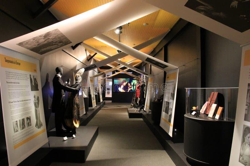 Splitterny utställning, som täcker historia av tango, det nationella museet av dansen och Hall av berömmelse, Saratoga, 2015 arkivfoton