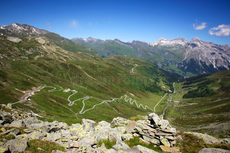 Splugenpass em Suíça imagem de stock royalty free