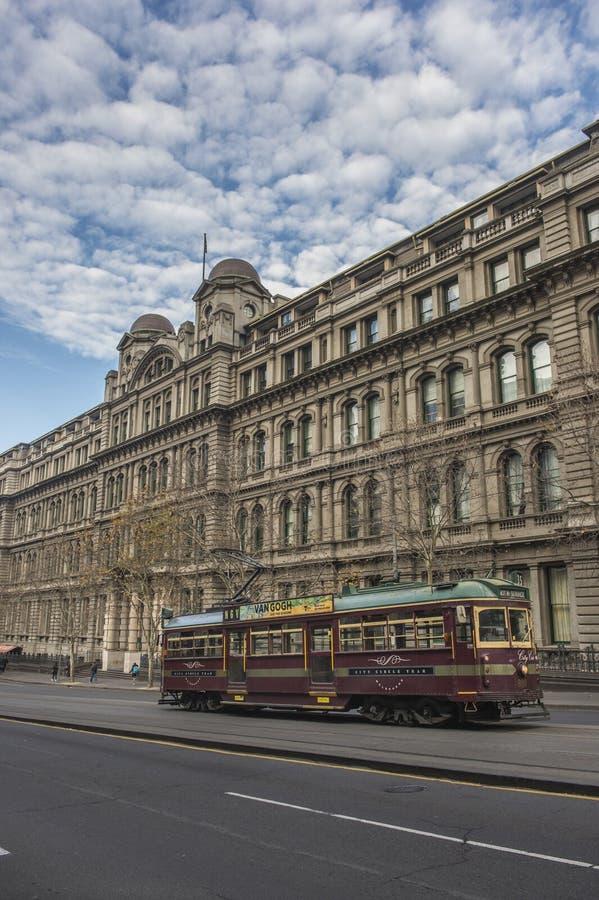 Społeczeństwo pociąg w Melbourne mieście zdjęcia royalty free
