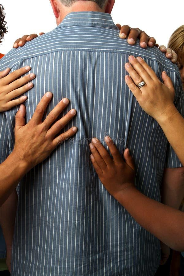 Społeczność ludzie ono modli się dla starego mężczyzna zdjęcie royalty free