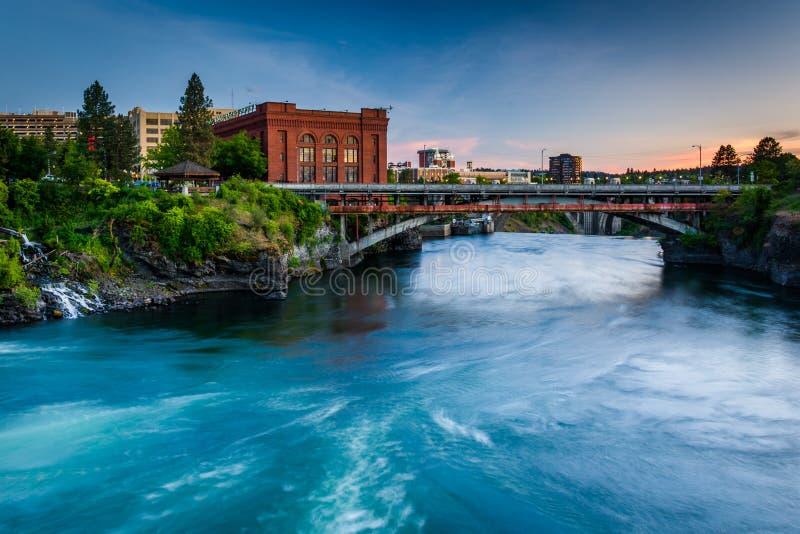 Spokane rzeka przy zmierzchem, w Spokane obraz royalty free
