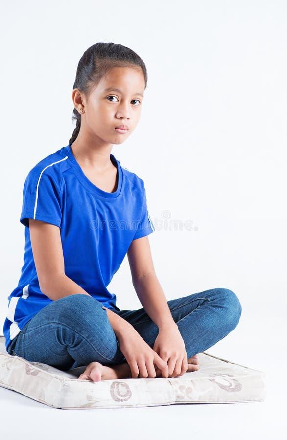 Spokojna i relaksująca dziewczyna zdjęcia stock