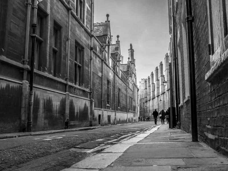 Spokojna tylna ulica w Cambridge Anglia obraz stock