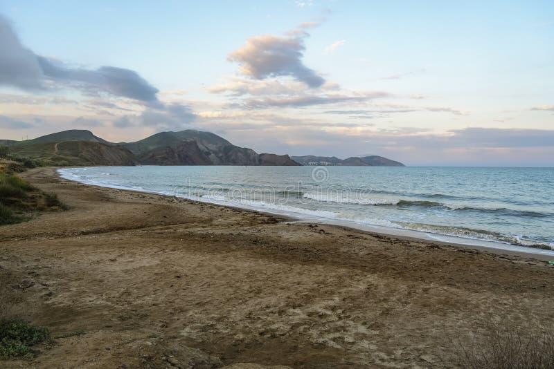 Spokojna zatoczka przy zmierzchem, Koktebel, Crimea fotografia stock