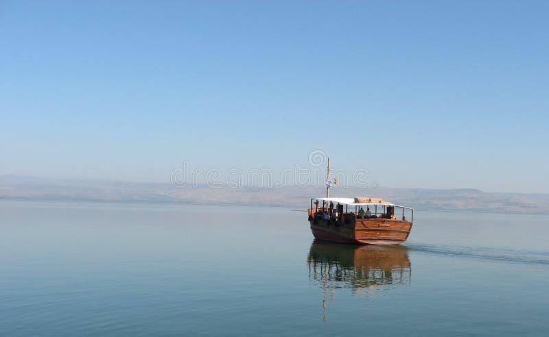 spokojny łodzi jezioro zdjęcia stock