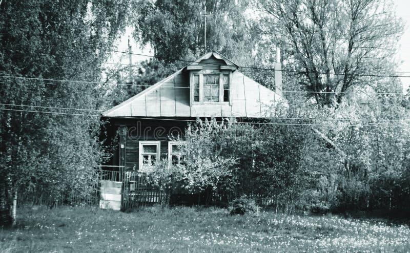 Spokojny dom na wsi obraz stock
