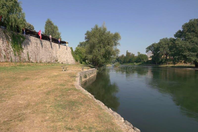 Sponda del fiume di Vrbas fotografie stock