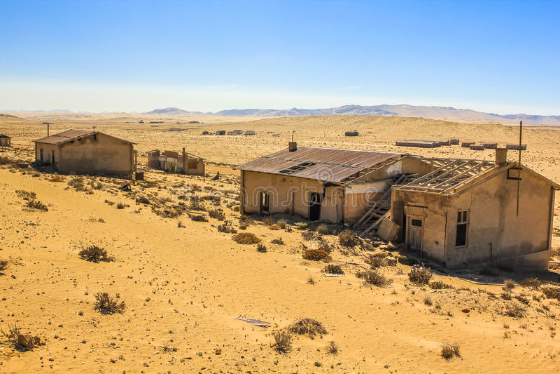 Spookstad in de woestijn van Namibië, Kolmanskop stock fotografie
