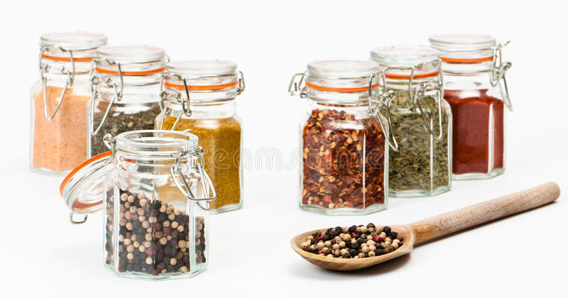 Spoonful dos Peppercorns foto de stock royalty free