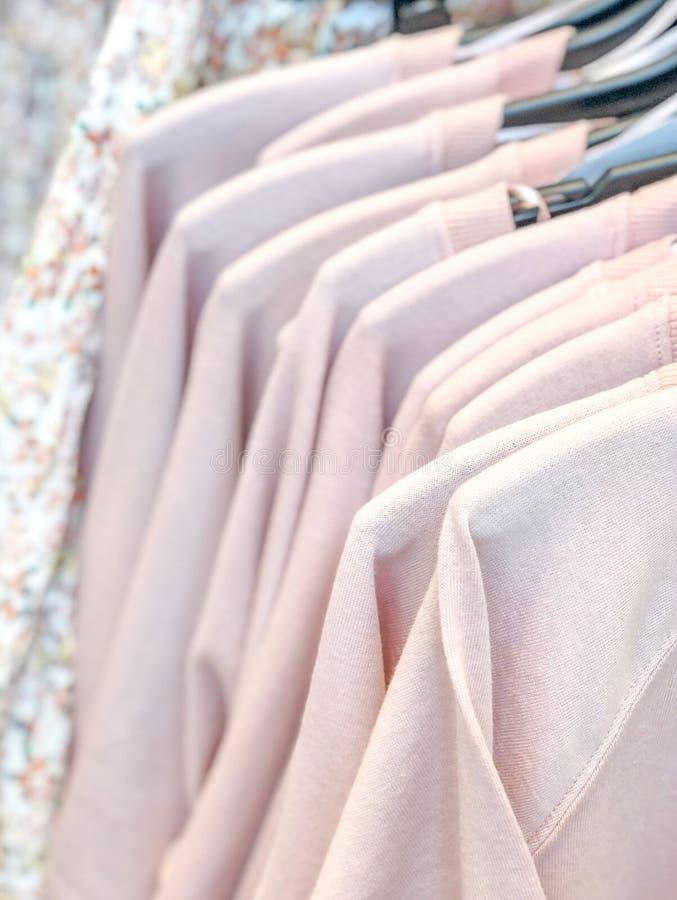 Spoor van t-shirts royalty-vrije stock foto's