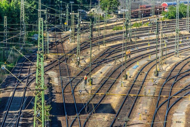 Spoorsystemen en punten voor switchyard van een grote Duitse stad stock afbeelding