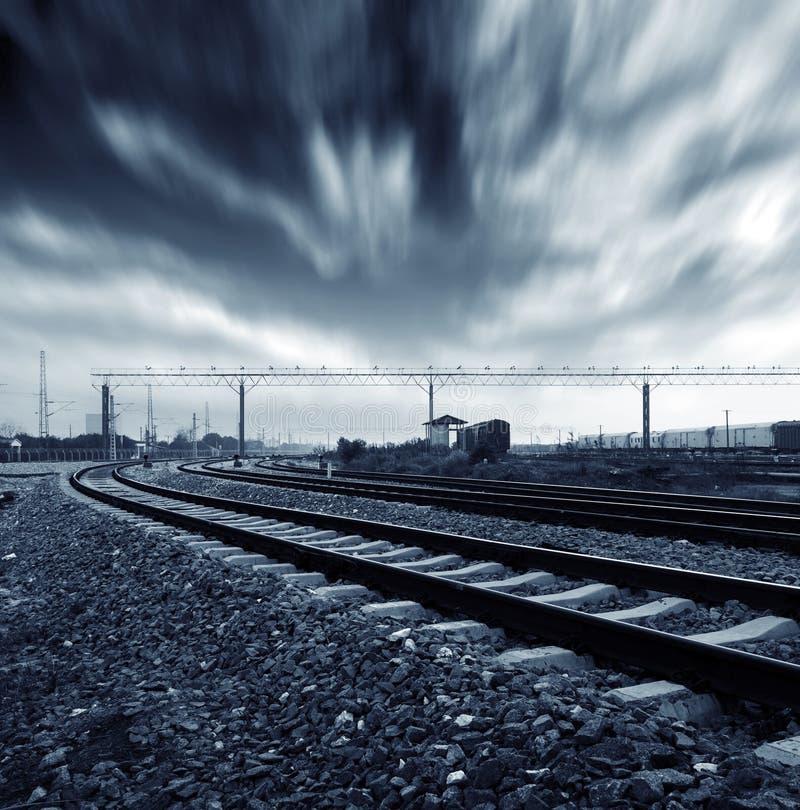 Download Spoorweg stock foto. Afbeelding bestaande uit huis, rood - 29501710