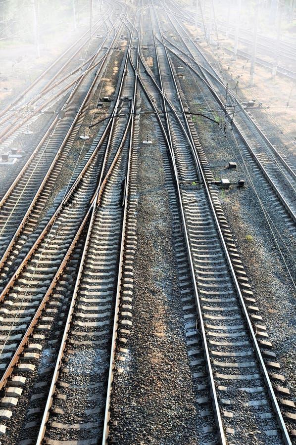 Spoorweg & mist stock foto