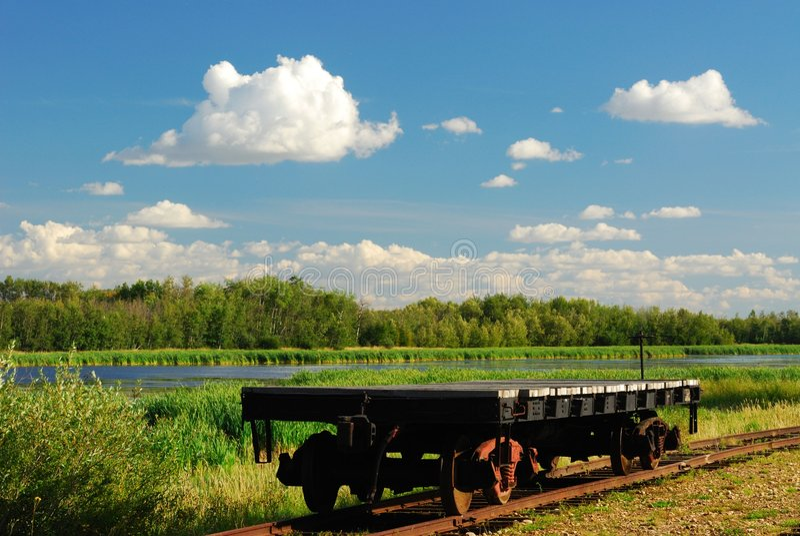 Spoorweg en kar royalty-vrije stock afbeelding