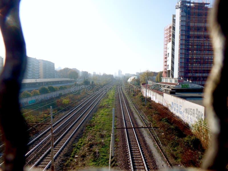 Spoorweg in Milaan stock afbeelding