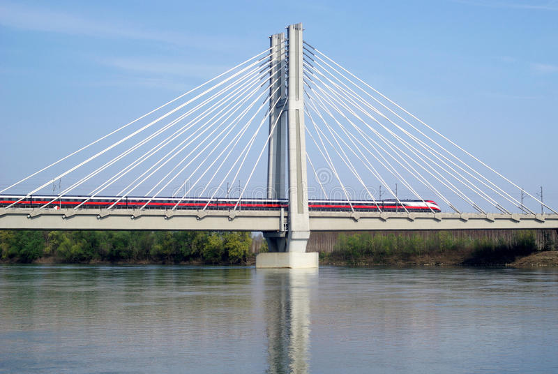 Spoorwegbrug stock afbeelding
