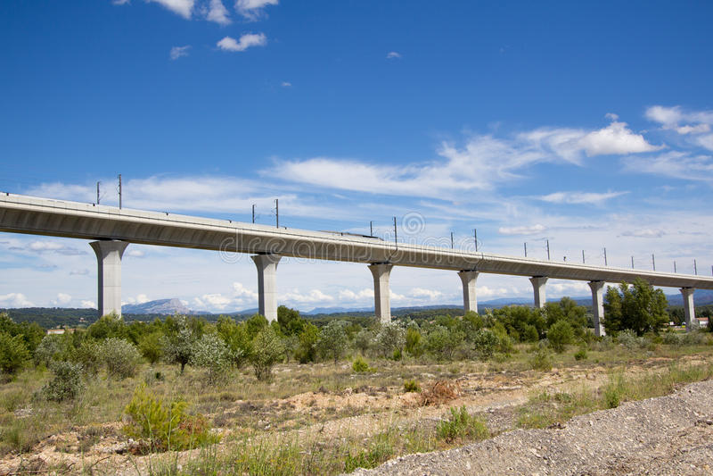 Spoorwegbrug voor TGV in Frankrijk royalty-vrije stock foto