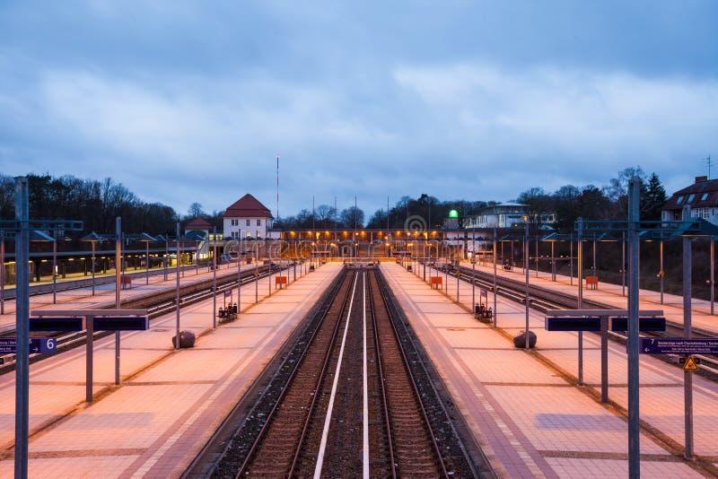 Spoorwegplatforms, Berlin Olympiastadion royalty-vrije stock fotografie