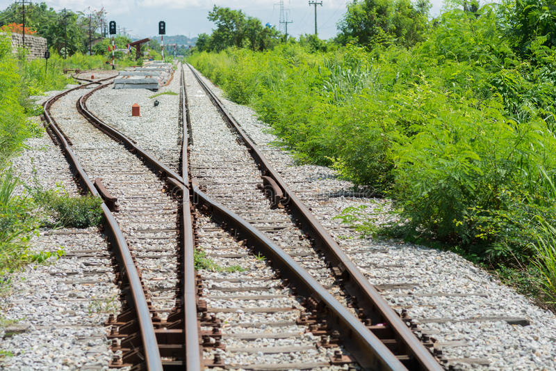 Spoorwegspoor, spoorwegverbinding stock foto