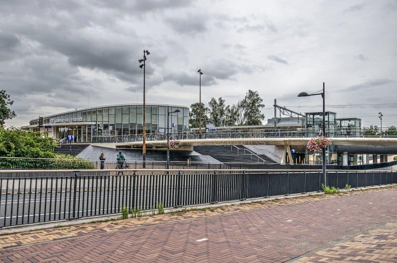 Spoorwegstation Helmond en underpass stock foto