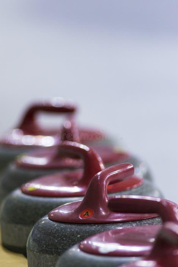 Sportów pojęcia i pomysły Zbliżenie fryzowanie rękojeści Czerwoni kamienie obrazy stock