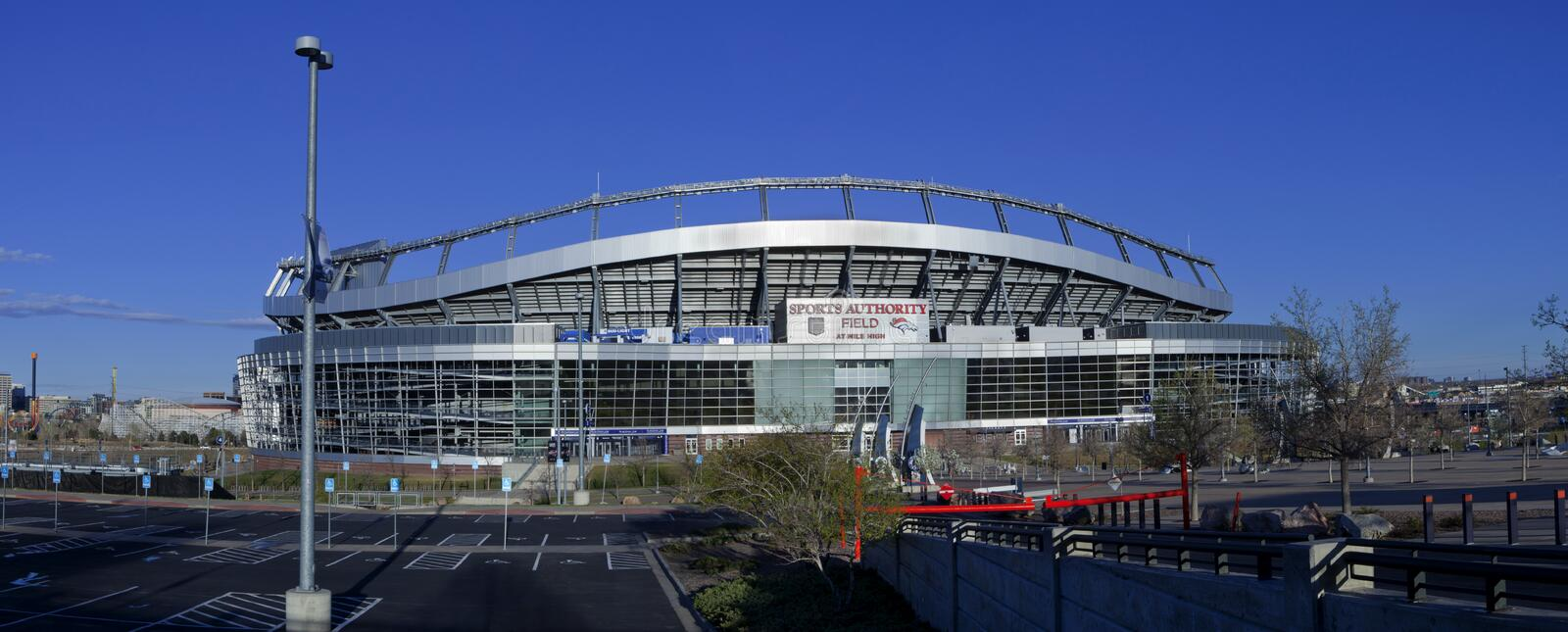 Sport-Berechtigungs-Feld am Mile High Stadium in Denver, lizenzfreies stockbild