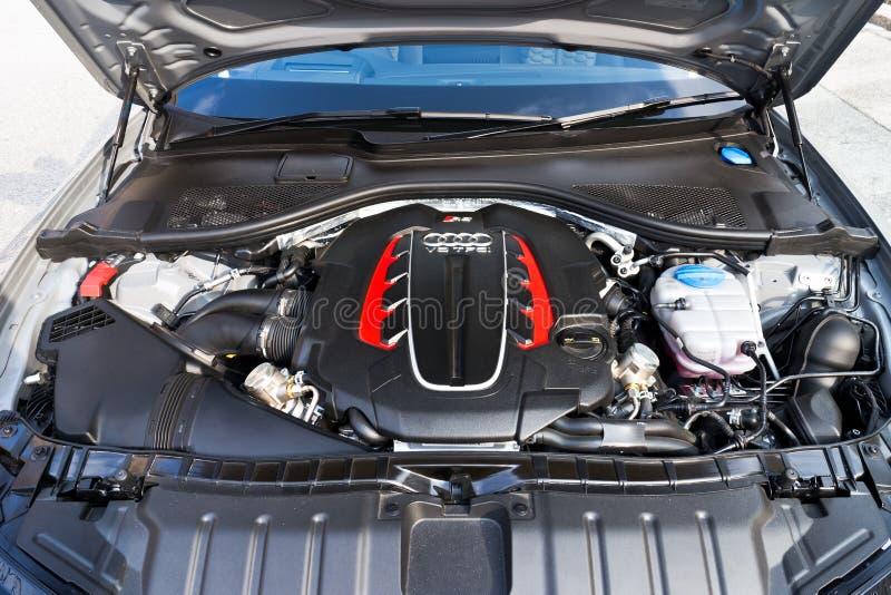 Sport caldo Avant 2013 Engine Room di modello di Audi RS6 immagini stock libere da diritti