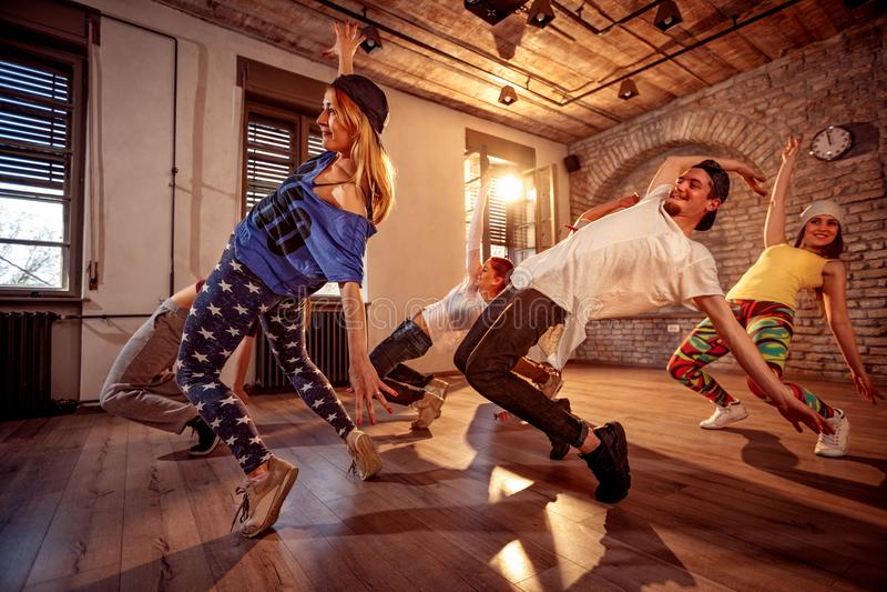 Sport, dancing e concetto urbano immagini stock libere da diritti