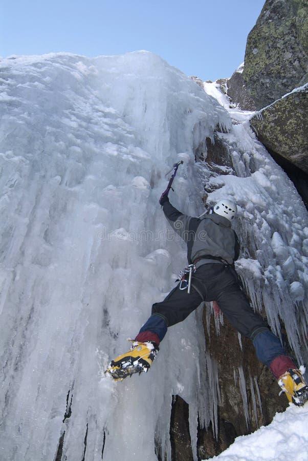 Sport rampicante del ghiaccio fotografie stock