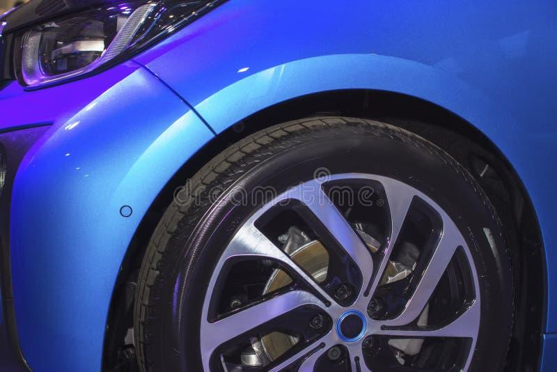 Sporta błękitny samochód zamknięty w górę obraz royalty free