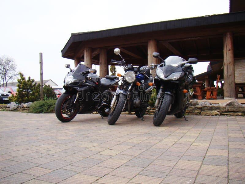 Sportcykel för tre motorcyklar royaltyfria foton