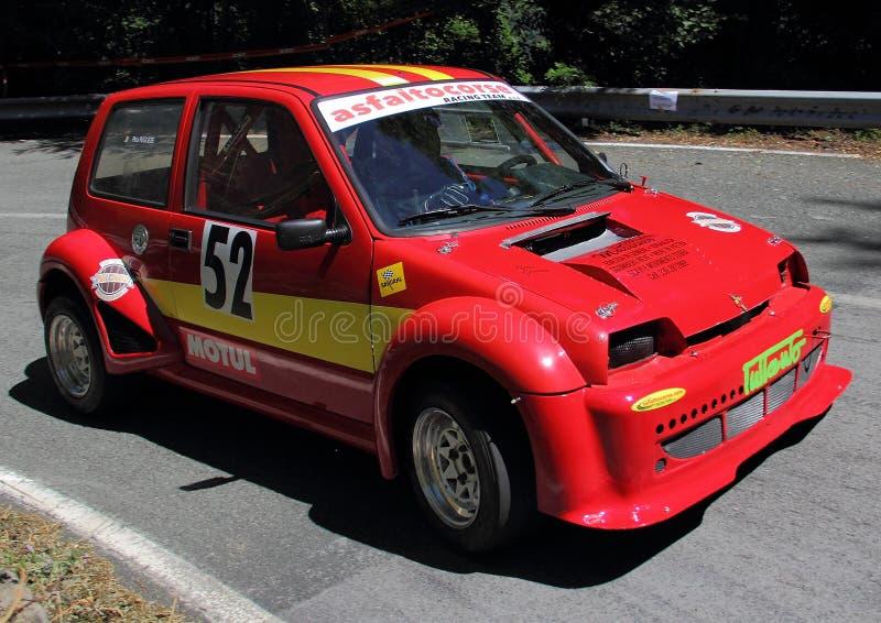 Sportief Fiat 500 stock fotografie