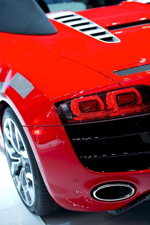Sportig röd bil arkivfoto