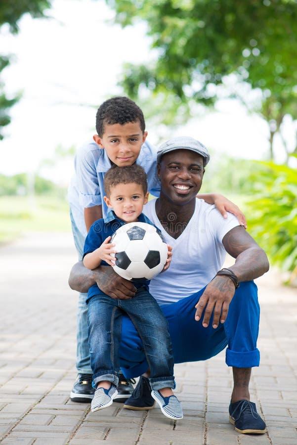 Sportive Familie lizenzfreies stockfoto
