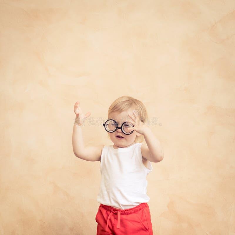 Sportivo divertente del bambino Successo e concetto del vincitore fotografia stock libera da diritti