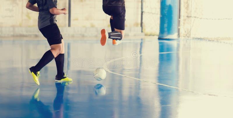 Sportkorridor för inomhus fotboll Futsal spelare för fotboll arkivfoto