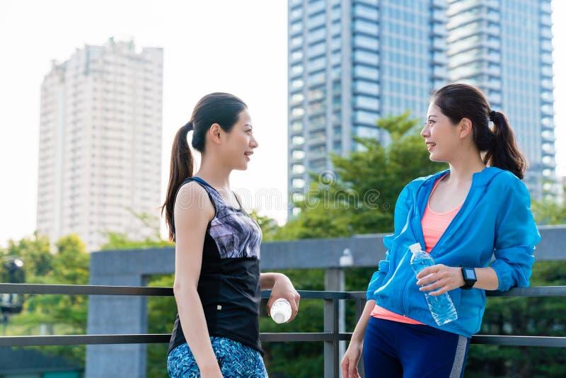 Sportlich, Erholung, gesundes Lebensstilkonzept stockbild