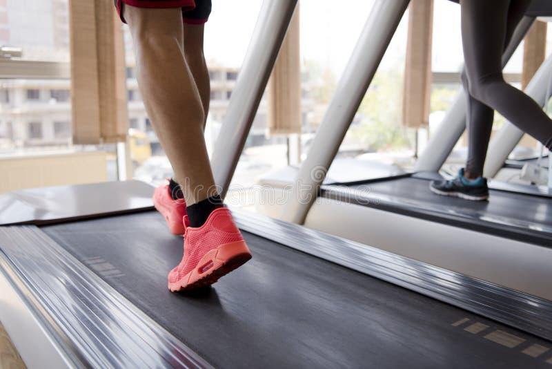 Sportowa ćwiczenie jogging na karuzeli zdjęcia stock