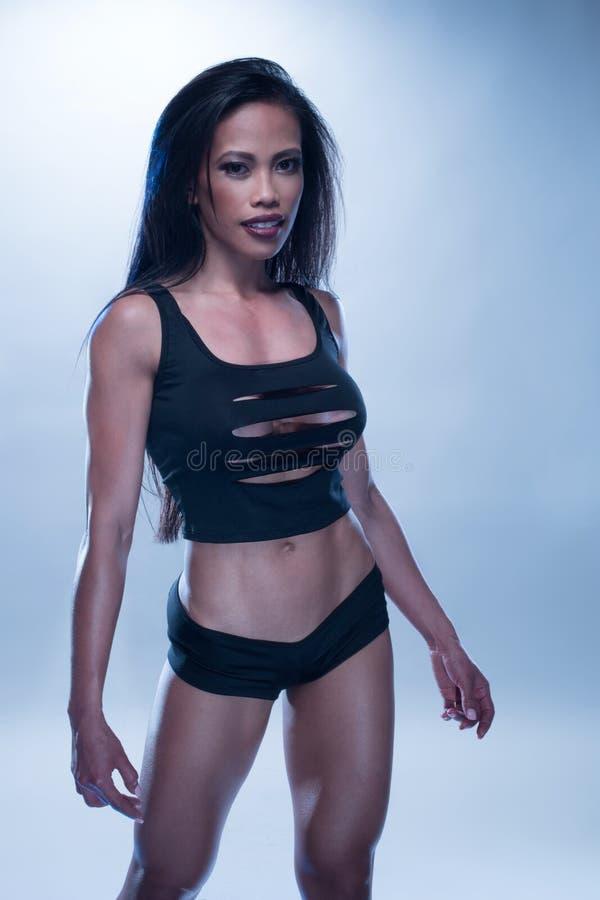 Sportowa kobieta Z Długim czarni włosy zdjęcia royalty free