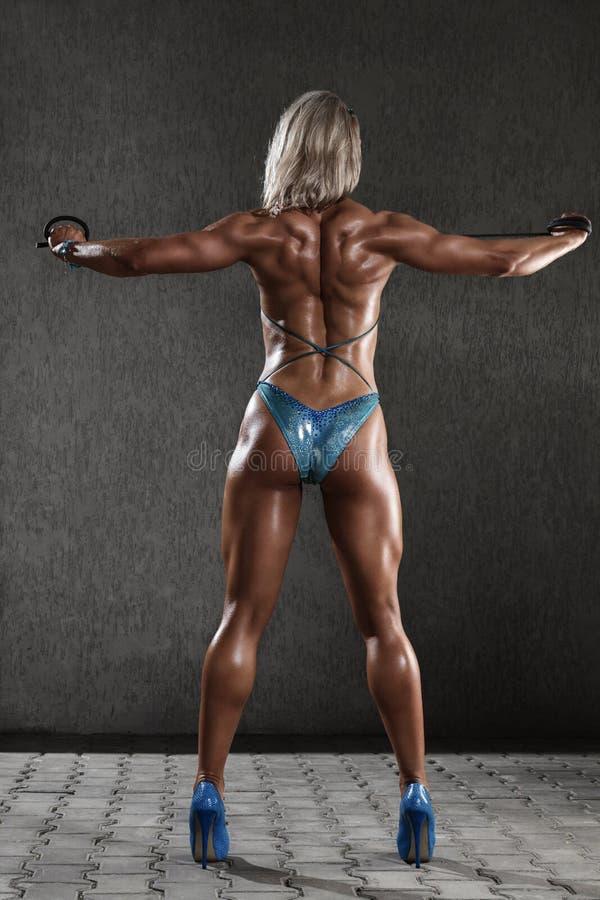 Sportowa młoda kobieta obrazy stock