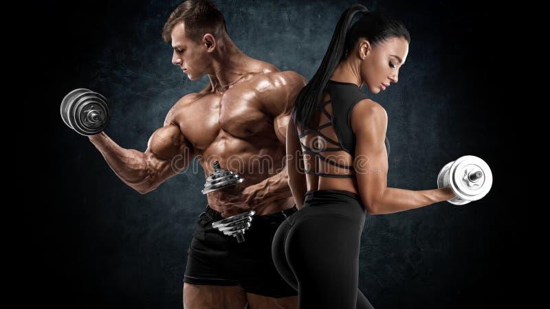 Sportowe ćwiczenia z dzwonkami Mięśniak i kobieta wykazujące mięśnie obrazy royalty free