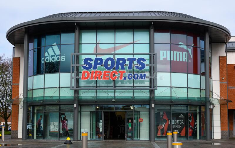 Sports Direct Worcester. Worcester, United Kingdom - March 15 2020:  The frontage of Sports Direct sporting goods shop on City Walls Road stock photo
