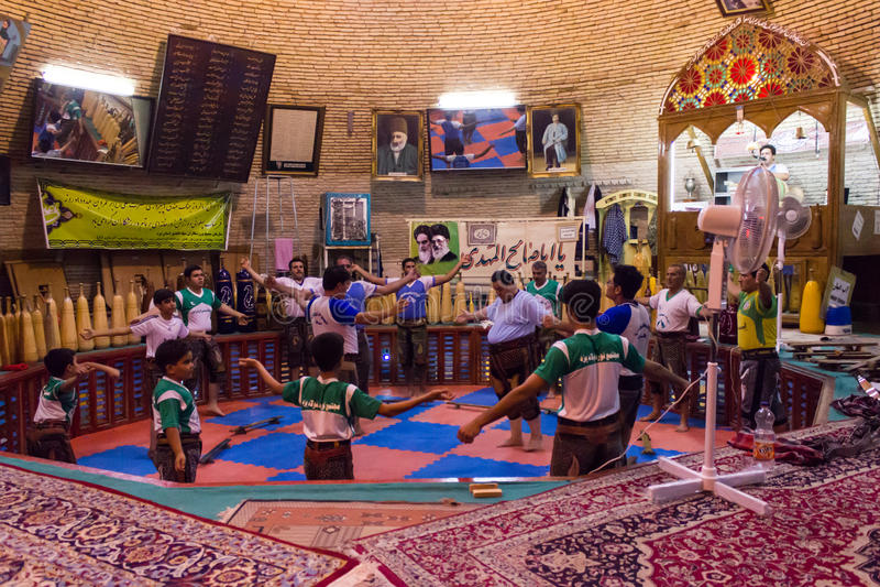 Sports traditionnels (Zurkhaneh) dans Yazd, Iran image libre de droits