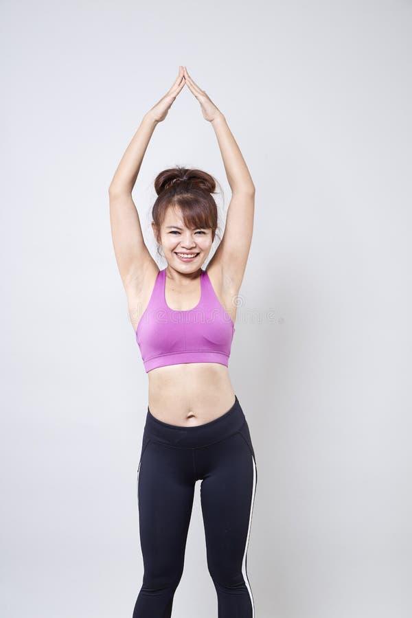 sportswear vestindo da mulher para mostrar seu corpo imagens de stock