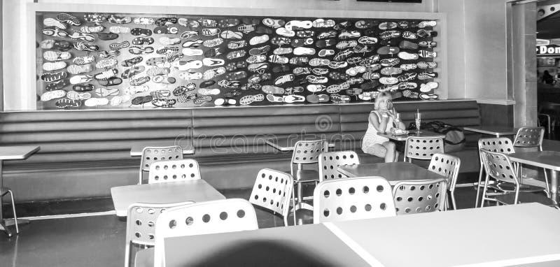 Sporttemagarnering i en jamaikansk restaurang arkivfoton