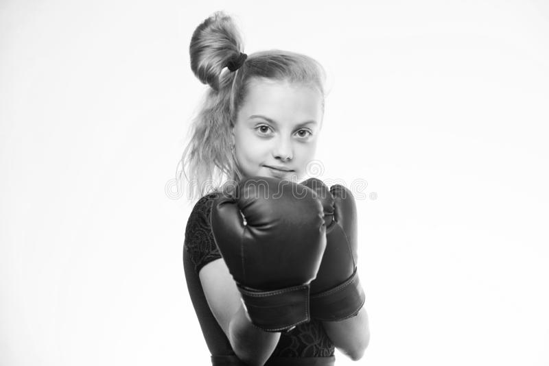 Sportuppfostran Uppfostran f?r ledarskap och vinnare Stark barnboxning Sport- och h?lsobegrepp Boxas sporten f?r arkivfoto